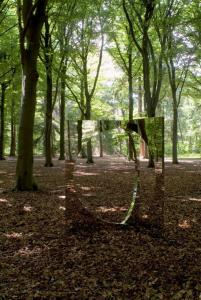 """3-Dimensional Circle"", 2007, Rimex Super Mirror, steel, 200 x 140 x 140 cm, photo by Drik Pauwels"