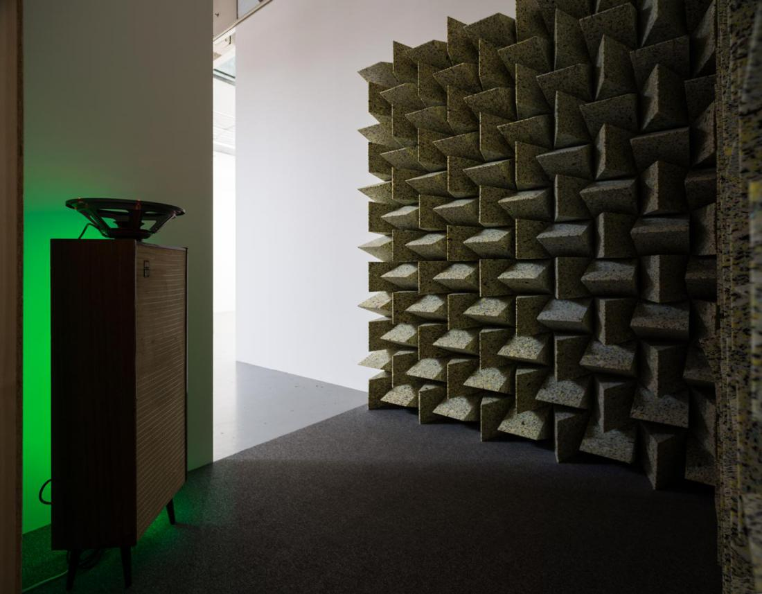 "Haroon Mirza, ""Detroit Reconfigured,"" 2012, speaker driver, LEDs, LED tape, LED drivers, speaker cone, fabric cable, vintage speaker, 113 x 37.5 x 23 cm, photo by Nobutada OMOTE 