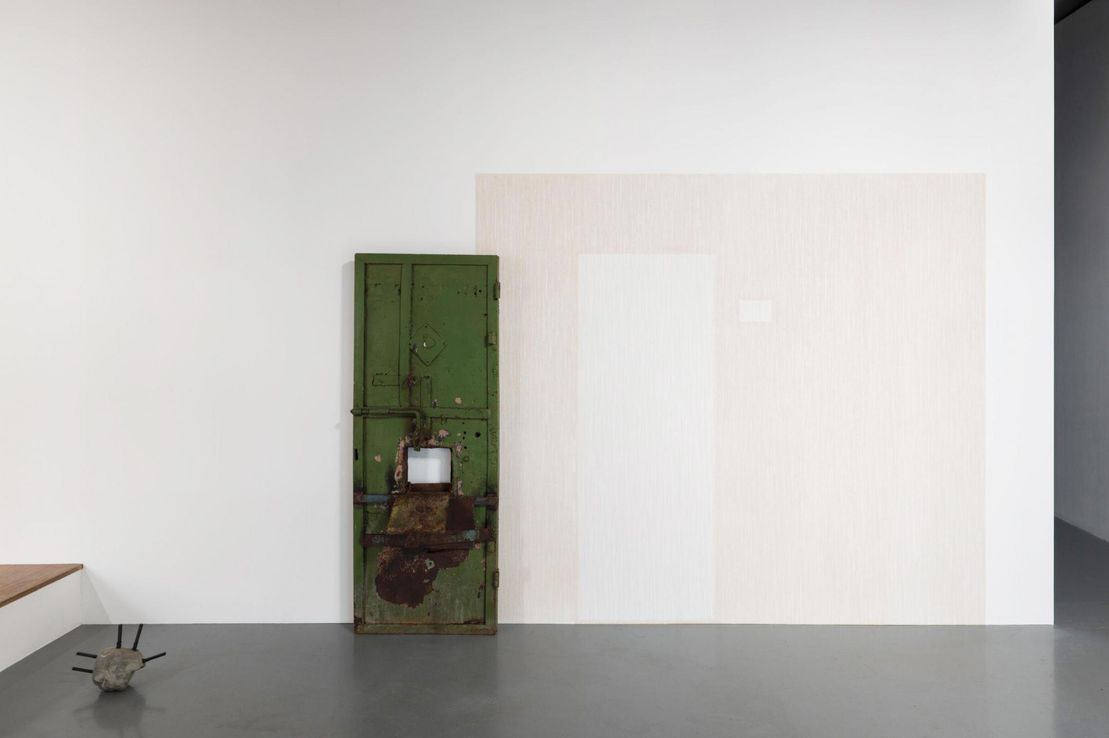 ヴァジコ・チャッキアーニ《 Moment in and out of time 》 2014年、メタル、ワックス、190×80×40 cm