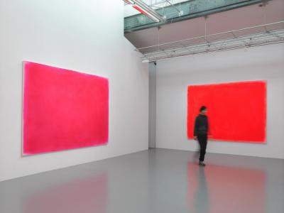 "Lee Ufan ""Color Halation / Space Halation"" 2015, SCAI THE BATHHOUSE photo by Nobutada Omote"
