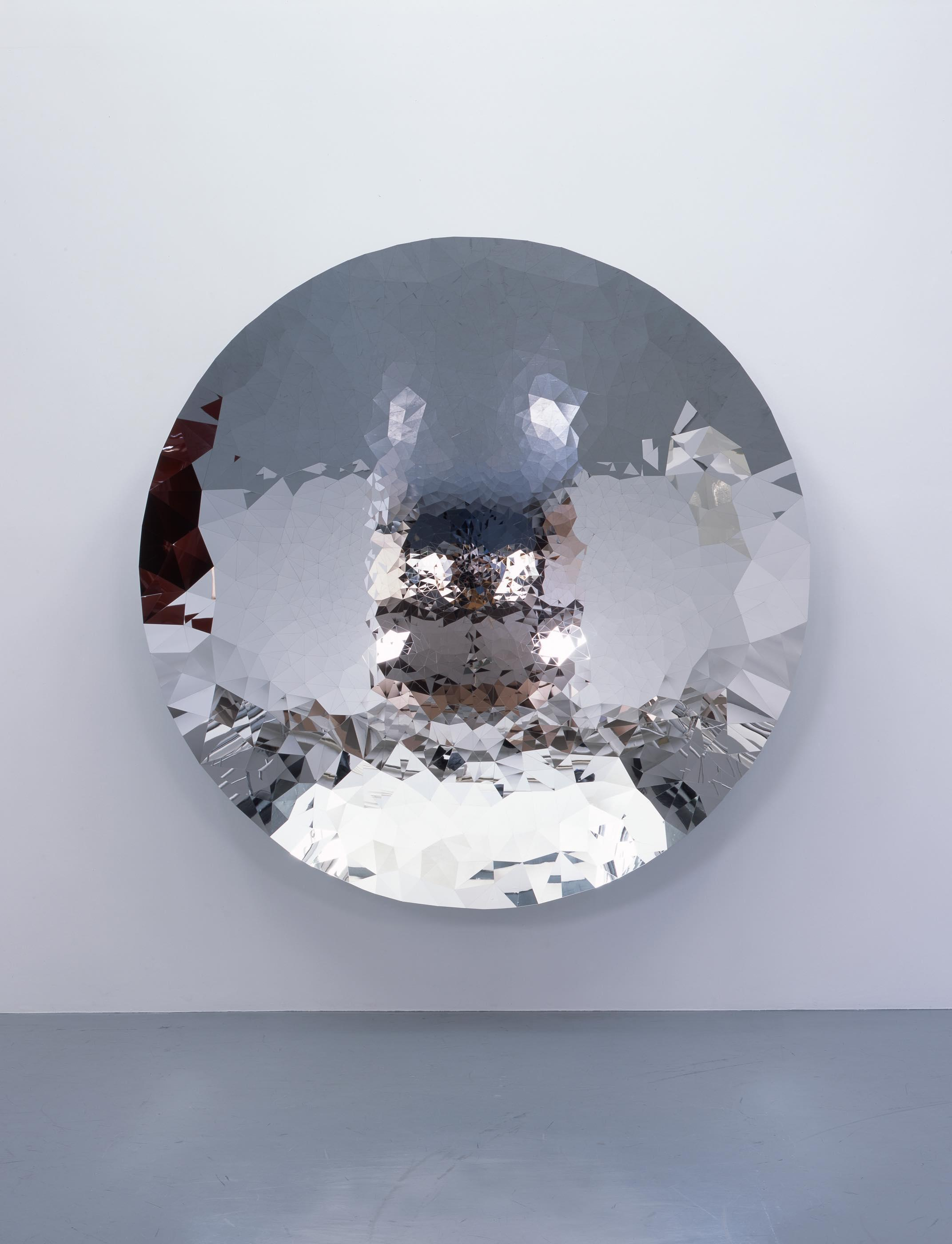 Untitled, 2010, Stainless Steel, 230 x 230 x 44 cm, 撮影:木奥恵三
