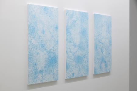 """Kohei Nawa, """"Dot-Fragment_Q #1"""", 2010, acrylic on paper, 140 × 70 × 3 (cm), photo by Nobutada OmoteKohei Nawa, """"Dot-Fragment_Q #2"""", 2010, acrylic on paper, 140 × 70 × 3 (cm), photo by Nobutada OmoteKohei Nawa, """"Dot-Fragment_Q #4"""", 2010, acrylic on paper, 140 × 70 × 3 (cm), photo by Nobutada Omote"""